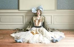 """Lạc lối cùng """"Alice ở xứ sở thần tiên"""" trên tạp chí Vogue"""