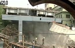 Hơn 100 người đã được giải cứu trong vụ sập cầu ở Ấn Độ