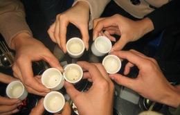 Lạm dụng rượu bia - biến tướng từ một nét đẹp văn hóa