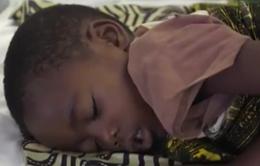 Số phận mong manh của trẻ em Angola