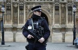 Pháp, Anh tăng cường an ninh chống tấn công khủng bố