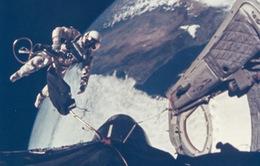 Phi hành gia người Anh đầu tiên đi bộ ngoài không gian