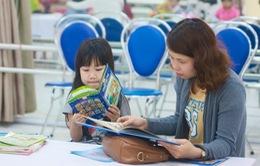 Bộ Giáo dục khuyến khích cha mẹ đọc sách, truyện cho con nghe