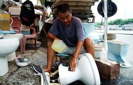 Người đàn ông 20 năm bán bồn cầu cũ cho người nghèo tại TP.Hồ Chí Minh