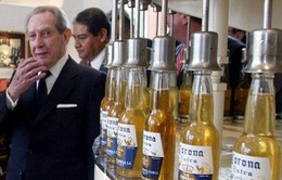 Tỷ phú bia qua đời, tặng mỗi dân làng gần 2,5 triệu USD