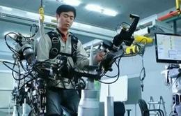 Áo giáp giúp con người nâng vật nặng lên tới 60kg sắp được sản xuất hàng loạt