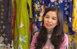 Nữ doanh nhân và tình yêu với tà áo dài Huế