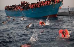 Thêm hàng trăm người mất tích do lật thuyền trên Địa Trung Hải