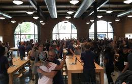 Khám phá bên trong cửa hàng Apple Store mới tại Brooklyn