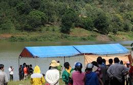 Phó Thủ tướng yêu cầu điều tra vụ lật thuyền khiến 4 người tử vong ở Bình Phước