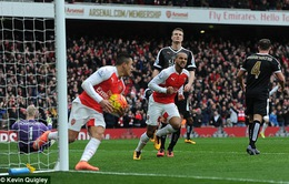 Arsenal 2–1 Leicester City: Hai dự bị Walcott, Welbeck cứu rỗi Pháo thủ