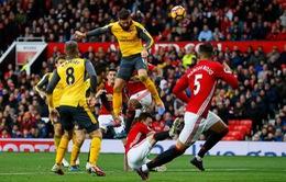 """Man Utd bị Arsenal """"cướp"""" chiến thắng ở phút 89"""