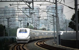 Trung Quốc: Khi tàu cao tốc biến thành... xe cấp cứu
