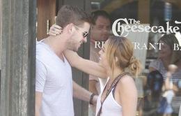 Liam Hemsworth: Chia tay Miley Cyrus là điều cần thiết