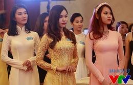Thí sinh Hoa hậu Biển Việt Nam đọ sắc với áo dài ở vòng sơ khảo miền Nam