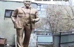 Dựng tượng đài Chủ tịch Hồ Chí Minh tại quê hương Lenin