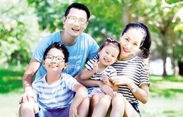Ca sĩ Hoàng Bách: Thuyết phục vợ con đến gần công chúng