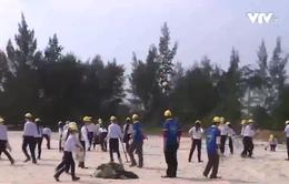 1.500 người chung tay làm sạch bãi biển ở Thừa Thiên - Huế