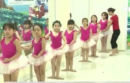Lợi ích tuyệt vời khi bé học múa ballet