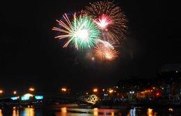 TP.HCM: Người dân nô nức đi xem bắn pháo hoa mừng Quốc khánh