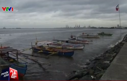 Bão Sarika càn quét, Philippines phải sơ tán 12.000 người