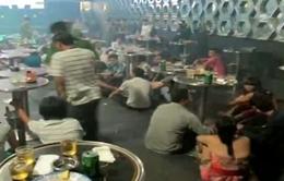 """Đột kích bar ở Thanh Hóa, bắt giữ hàng chục người """"phê"""" thuốc lắc"""