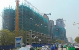Ùn tắc, các dự án vẫn đua nhau xây dựng dọc hai bên đường Lê Văn Lương