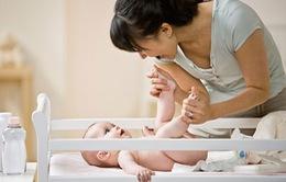 Bệnh lý tinh hoàn ẩn xảy ra ở 1/5 bé trai sinh thiếu tháng