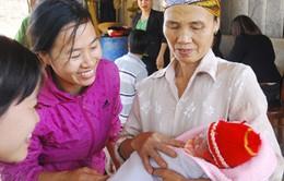 Quảng Ninh: Trẻ mới sinh được cấp 3 thẻ