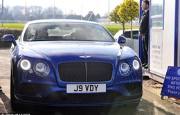 Vừa được tăng lương, Vardy tậu ngay siêu xe Bentley