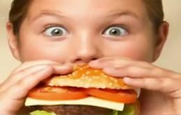 Số trẻ em béo phì tại Anh tăng báo động