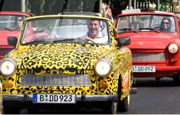 Khám phá Berlin bằng xe mui trần cổ điển
