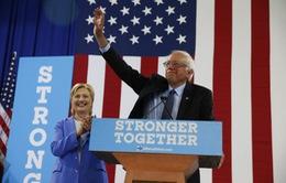 Thượng nghị sĩ Bernie Sanders ủng hộ bà Hillary làm Tổng thống Mỹ