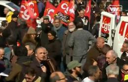 Sinh viên Pháp biểu tình phản đối dự thảo cải cách luật lao động