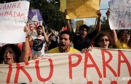 Biểu tình chặn đường ngọn đuốc Olympic tại Brazil