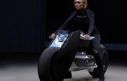 """BMW """"trình làng"""" xe mô tô tự cân bằng"""