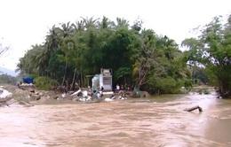 Bình Định: Nhiều tuyến đê bị vỡ do lũ