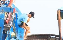Bình Định: Trẻ em vùng biển nghỉ học, lao động sớm