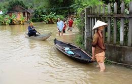 Nhiều địa phương ở Nam Trung Bộ bị cô lập hoàn toàn do mưa lũ