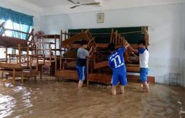 Hỗ trợ 400 triệu đồng mua sách vở cho học sinh vùng lũ Bình Định