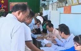 Cử tri Nam Trung Bộ nô nức đi bầu cử