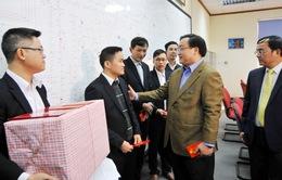 Đồng chí Hoàng Trung Hải thăm và chúc Tết ngành điện Hà Nội