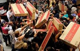 Black Friday: Đi mua thì ít, đi xem thì nhiều