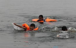 Thiết thực giáo dục kỹ năng bơi cho trẻ tại TT-Huế