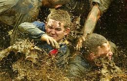 Những hình ảnh thú vị từ môn bóng đá đầm lầy
