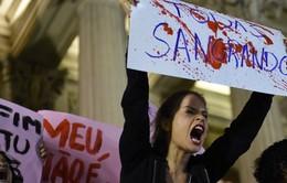 Hàng nghìn phụ nữ Brazil biểu tình lên án vấn nạn cưỡng hiếp
