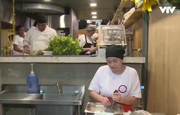 Brazil: Các đầu bếp nổi tiếng tận dụng thức ăn thừa nấu cho người nghèo