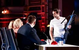 Britain's Got Talent: Simon Cowell run rẩy với màn bắn tên vào thí sinh