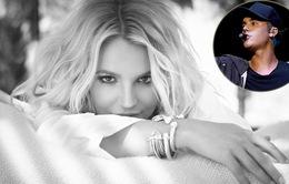 Britney Spears bảo vệ Justin Bieber