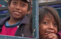 Trẻ em sống sót sau trận động đất Nepal bị bán làm nô lệ ở Anh